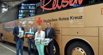 Schäfer-Bus wirbt fürs Rote Kreuz